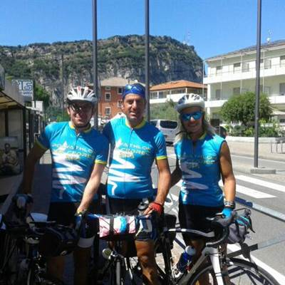trio DUBROVNIK A MILANO in visita a Torbole bike touren wear rent