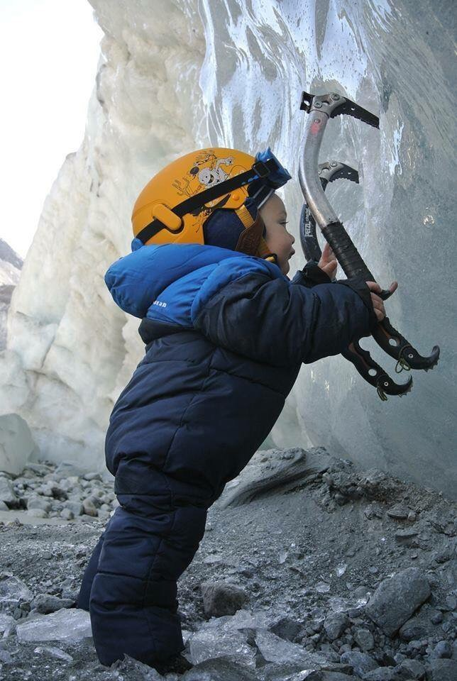Ice Climbing, #lolgarda #liveoutdoorlife #stageiceclimbing #winter2017 www.lol-garda.it