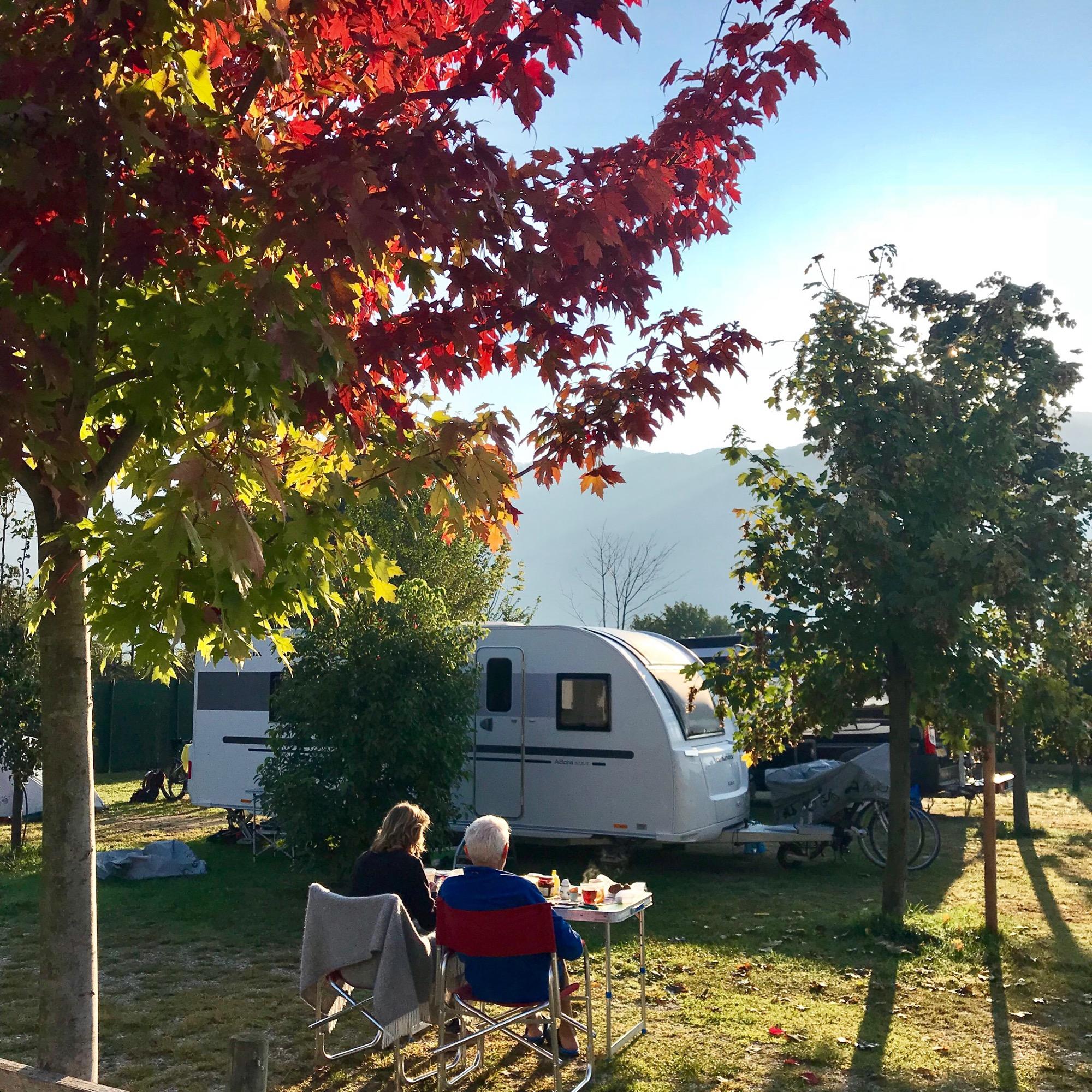 Autumn Lakes Apartments: Arco Bed And Camping, Appartamenti E Campeggio, Arco, Lago