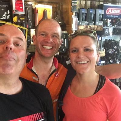 Mark and Jenny from New Zealand rent a bike lake garda