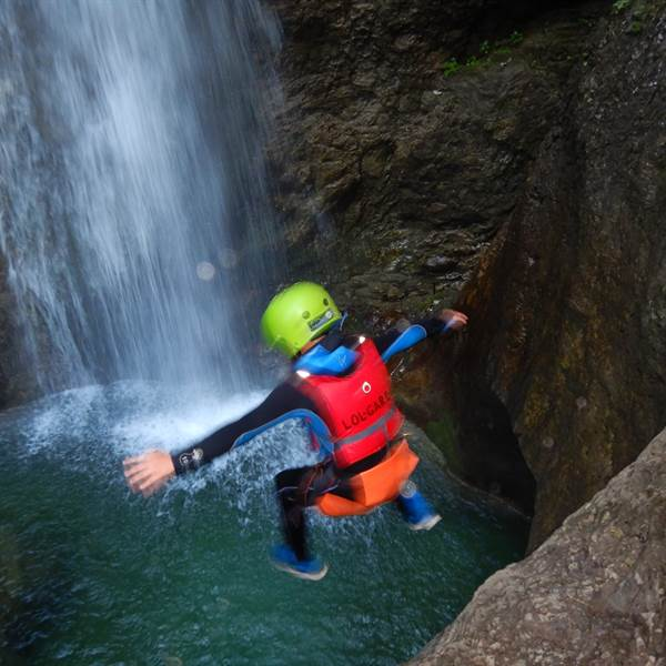 Family tour Rio Nero Canyoning