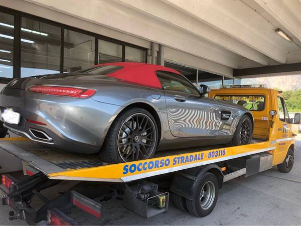 Soccorso di super car Mercedes  sls roadster