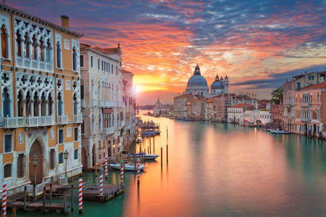 Venice, the magic city low cost transfer to Venice