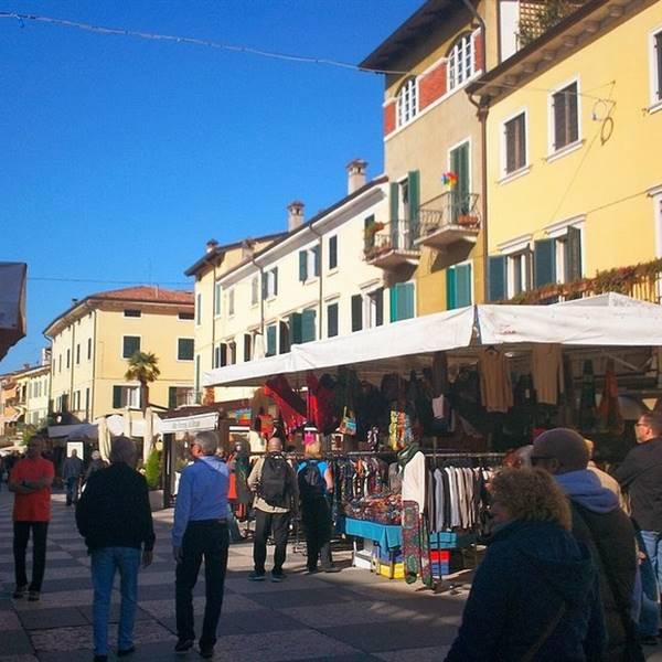 Mercato periodico a Riva del Garda